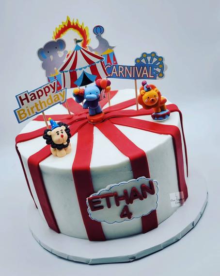 Vegan_ Birthday_Marble_Cake_with_Circus_