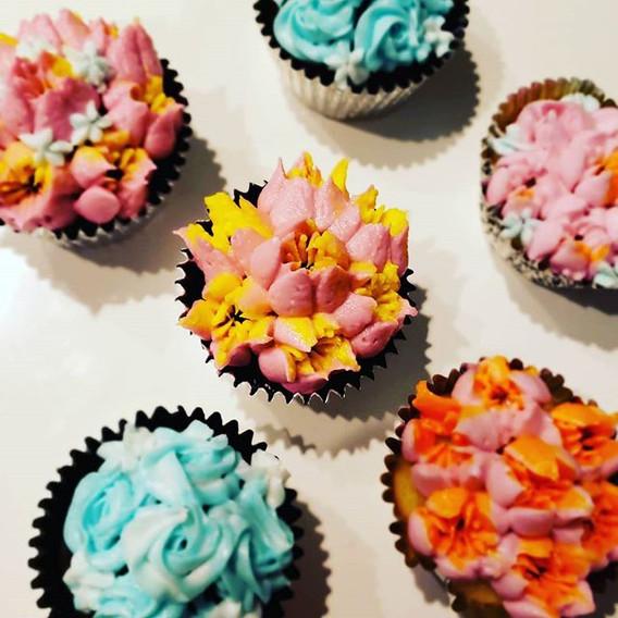 Pineapple, chocolate, vanilla cupcakes.j