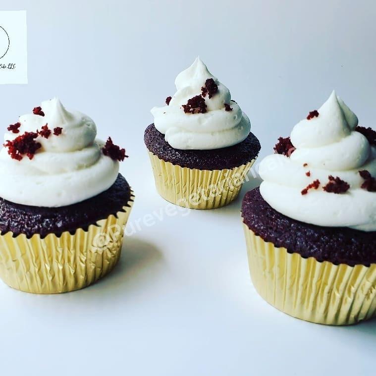 red velvet cupcakes.jpg