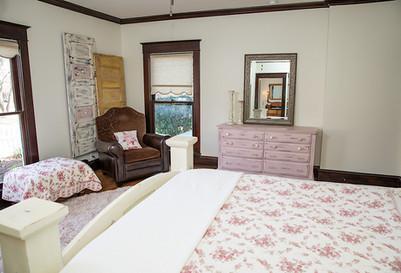 Red Gate Inn-Desert Rose Room View