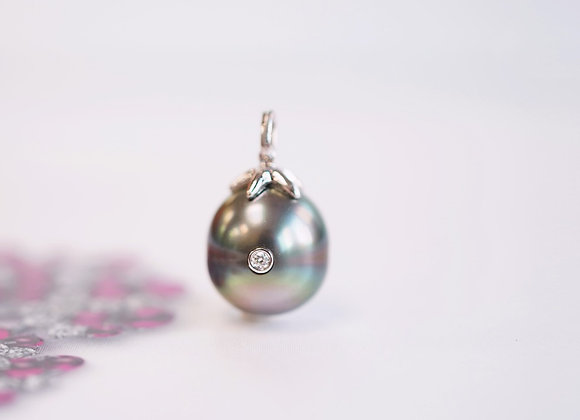Moonlight Mermaid Pearl Necklace