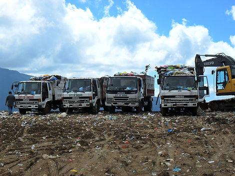 Garbage Dump Pick-Up & Hauling