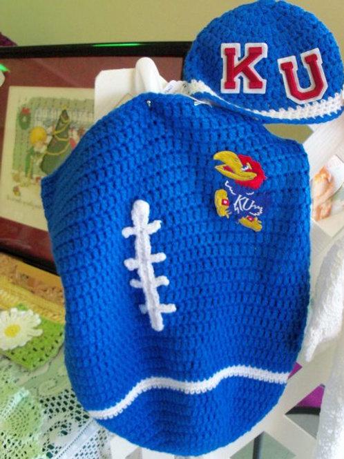 """""""I Love Football - KU"""" Baby cocoon"""