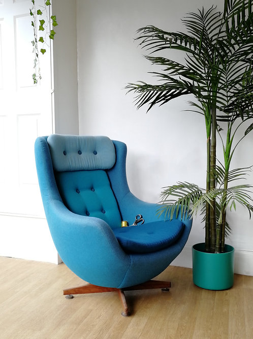 Blue Swoon Egg Chair