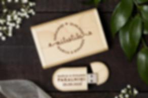 usb ar gravējumu kastītē ,usb ar personalizāciju kastītē, usb ar logo kastītē, zibatmiņa ar personaliāciju kastītē, koka usb kastītē, usb kāzm kastītē, usb fotogrāfiem kastītē , flešatmiņa ar gravējumu kastītē, usb kastītē, usb zibatmiņa,koka zinabatmiņa, koka flešs