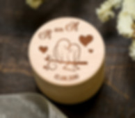 gredzenu kastīte, kastīte gredzeniem, laulību gredzenu kastītes, koka gredzenu kastīte, koka kāzu kastīte, gredzenu trauciņš kāzām, kastīte laulību gredzeniem, personalizēta gredzenu kastīte ar gravējumu, personalizēts gravējums