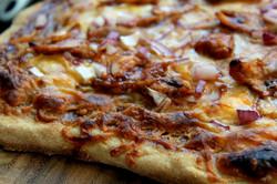 grilled bbq chicken pizza 1