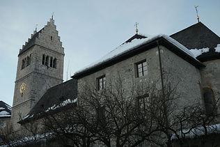Stadtpfarrkirche_Zell_am_See_St_Hippolyt_Tag_Winter.jpg