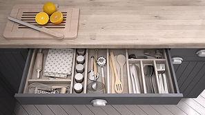Kitchen utensils orgainzied in a drawer