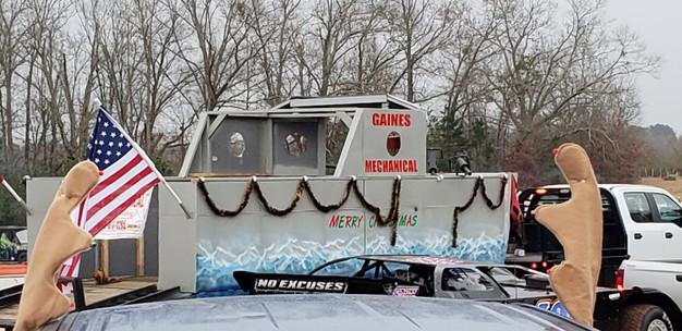 Redneck Christmas.Redneck Christmas Parade
