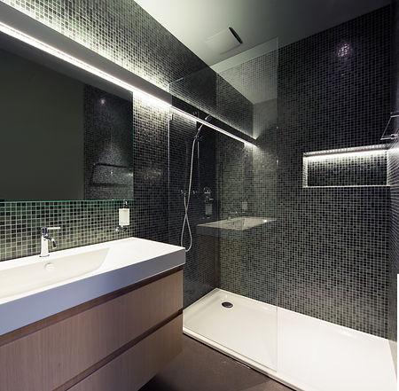 Dusche mit Toilette Kopie.jpg