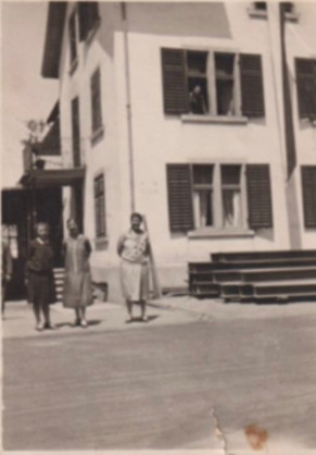 Schmittehaus drei Frauen