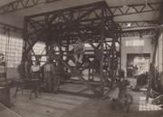 Montagehalle Arbeiterteam