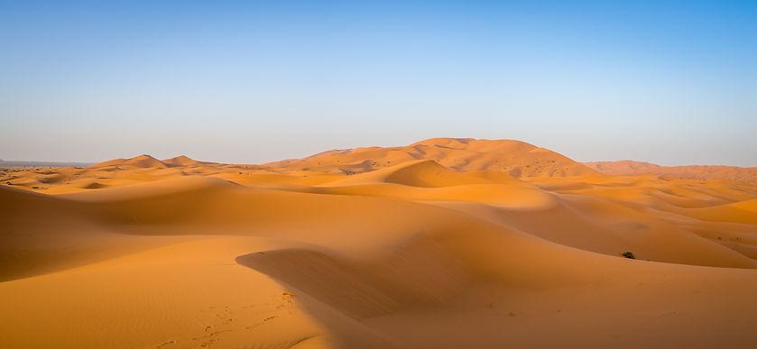 sahara-desert-sunlight-blue-sky-morocco-