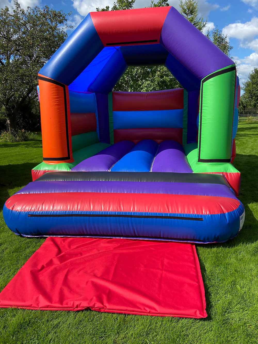 15ft x 11ft Bouncy Castle from bouncy castle express