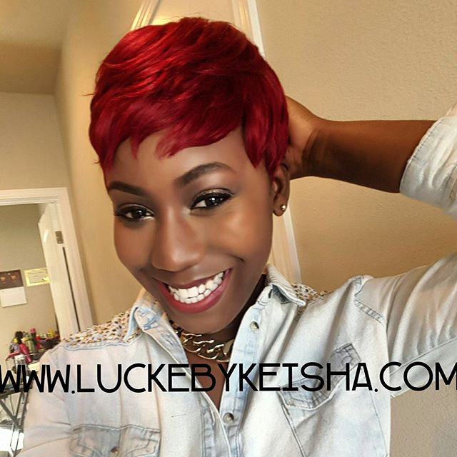 Find the right lip for your hair color to pop!! ❤😍 #luckebykeisha #wiglife #wigmaker