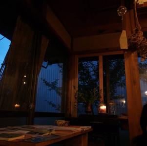 夏の終わりと秋の始まりに灯す キャンドルの時間