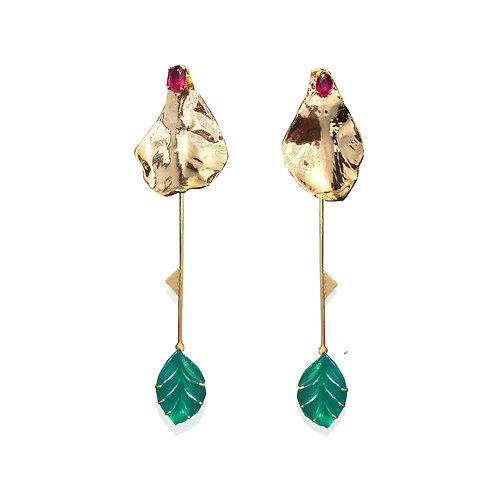 Small Gold Rose Petal Shoulder Sweeping Earrings Set