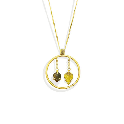 Reversible hanging leaves pendant