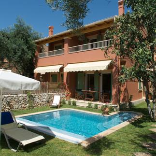 Maisonetes with pool 9.jpg
