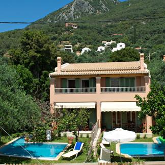 Maisonetes with pool 12.jpg
