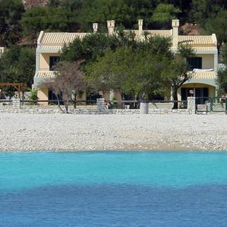 Διαμερίσματα Riviera Barbati από boat.jpg