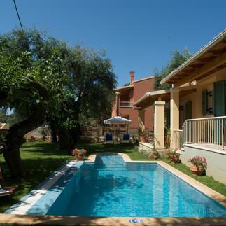 Maisonetes with pool 8.jpg