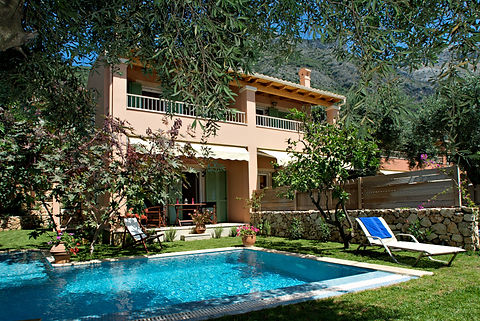 Maisonetes with pool 11.jpg