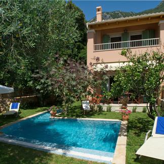 Maisonetes with pool 10.jpg