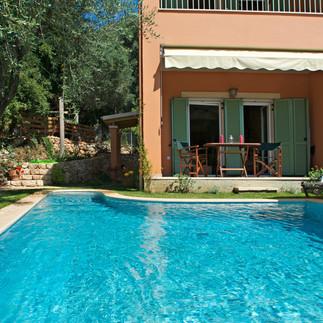 Maisonetes with pool 6.jpg