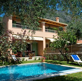 Maisonetes with pool 11.jpg
