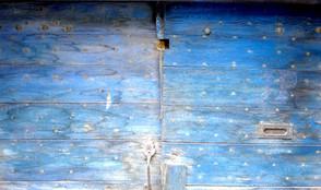 porte bleue.jpg