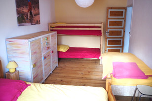 FIBULE-chambre-jaune2.jpg