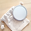 Thumbnail: Miroir de poche et sa pochette