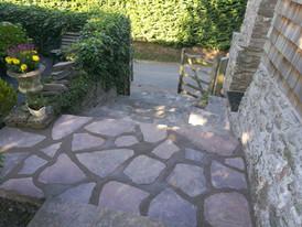 Sandstone Crazy paving