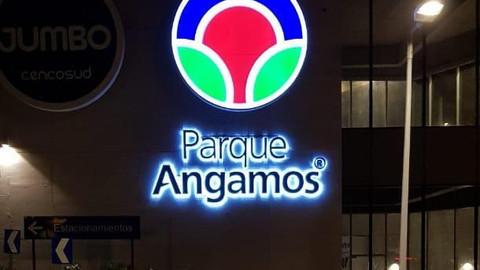 Parque Angamos 2 nocturno
