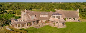 Barack and Michelle Obama Reportedly Close Deal for $11.75 Million Martha's Vineyard Estate