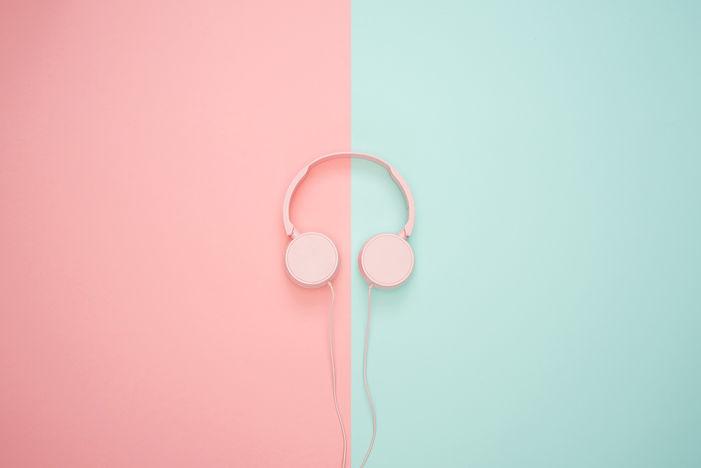 headphones-3435888_1920.jpg