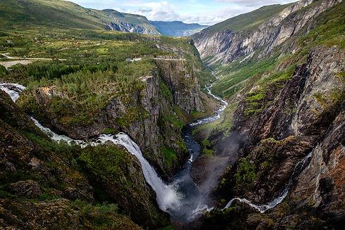 waterfall-3723422_1920.jpg