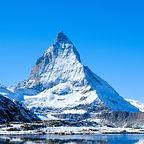 Reflection-of-Matterhorn-in-lake-during-