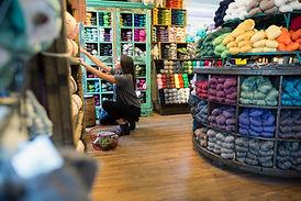 Tienda de estambres y tejidos