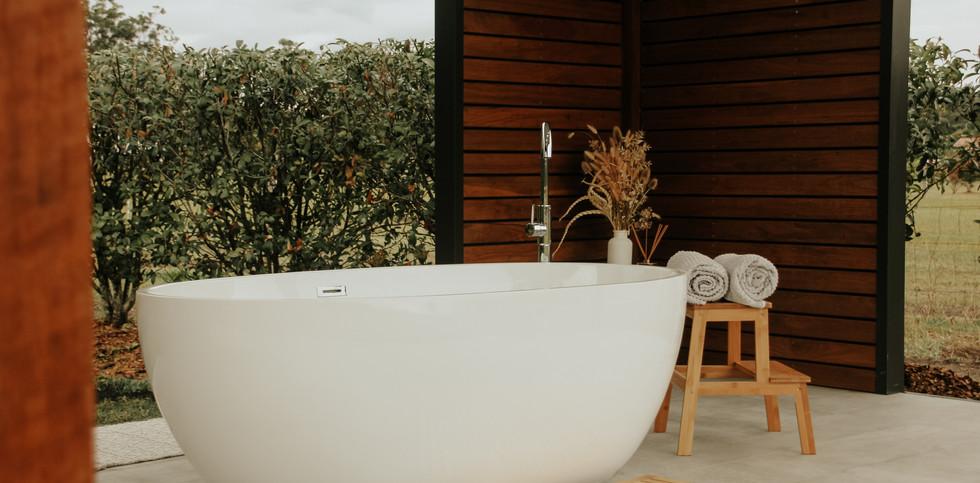 Outdoor Bath 3