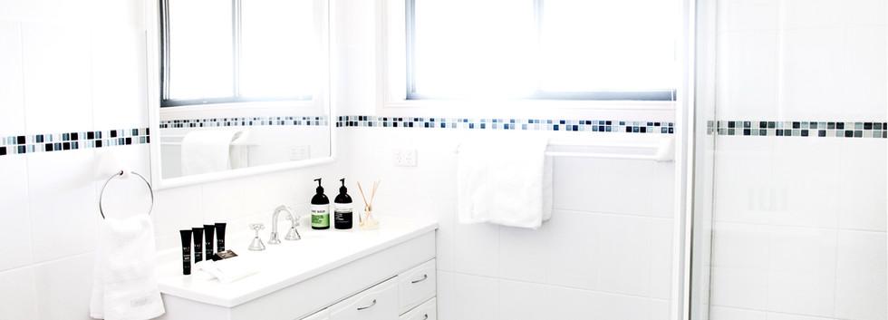 Bathroom10.jpg