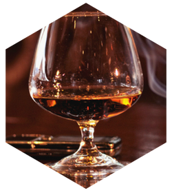 Cigar and cognac8