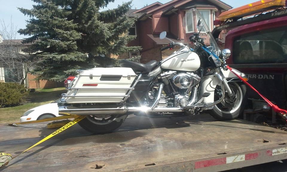 Harley Davidson Motor Bike Towing