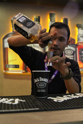 Manpower Supports for Bar Management