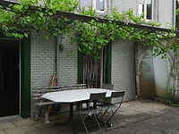 Aussenbereich Atelier im alten Haus Ganterschwil