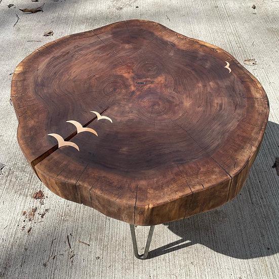 Leader bird coffee table