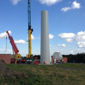 Wind turbine construction.jpg