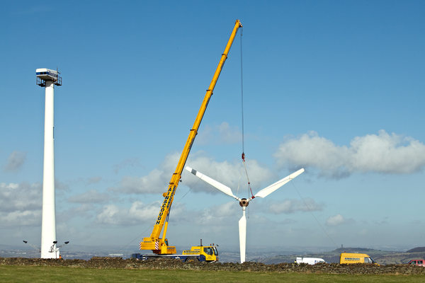 wind-turbine-construction